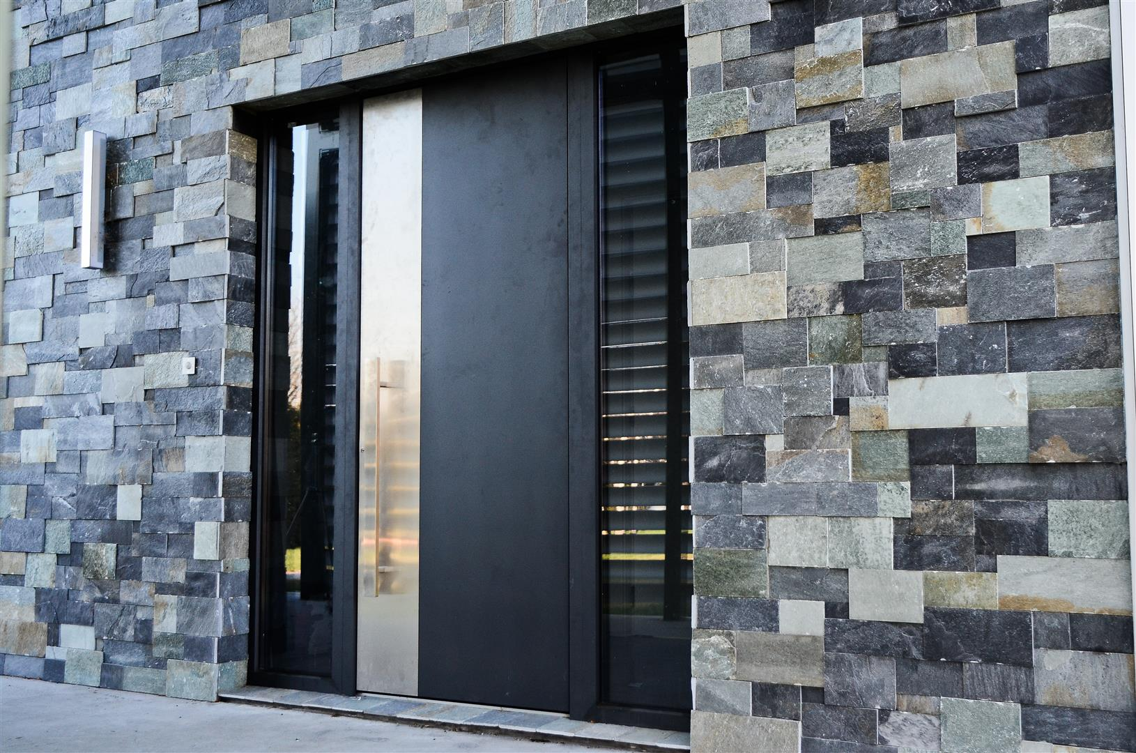 Entrance Doors & Adurra Doors \u0026 Windows | Custom Doors Montreal - Aluminum